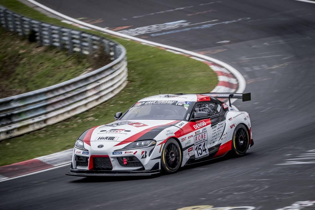 Toyota GR Supra beim 24 Stunden-Rennen...