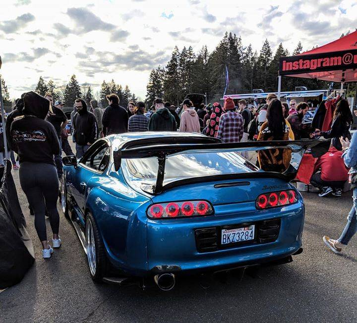 Eric's Supra has to be one of our favourites! Running the 'Black Heart' Edition LED tails along with a host of other Pro Spec carbon parts and a full interior upgrade setup to complement the widebody and custom blue paint 😍
