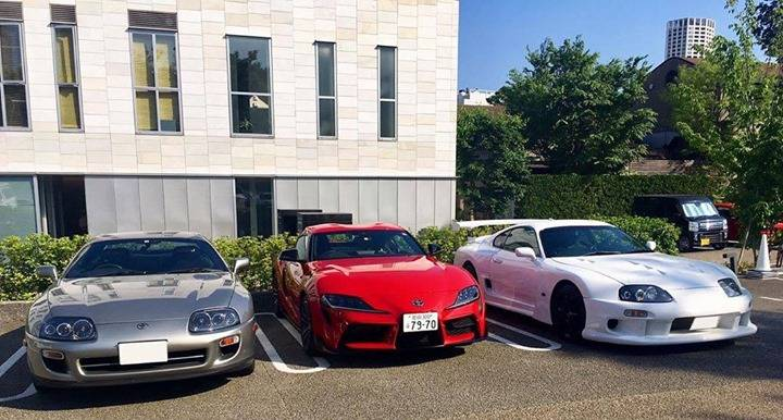It might just be the angle but the new Supra looks tiny here compared to the Mk4 👀