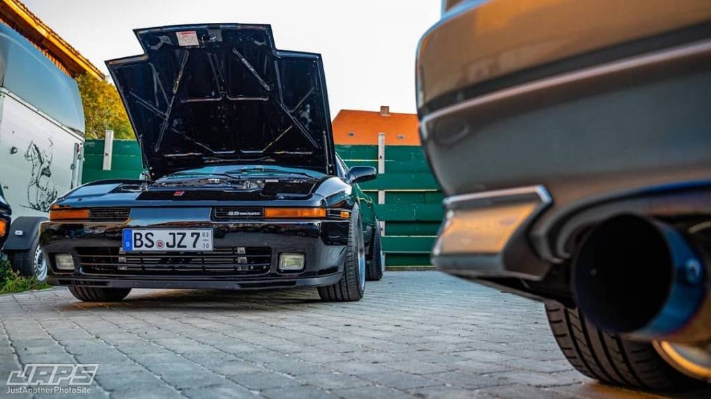 Some nice pictures from @zilla_dom 's birthday party last month 👌 📷@japsite #toyota #supra #mk3 #ma70 #jza70 #1jzgte #1jz #toyotasupra #a70addicts #jzpowered #mk3supra #supraculture #supramania #supraforums #supranation #mishimoto #cosmisracing #bridejapan #takata #toyotires #tial #hks #jdm #eatsleepjdm #stance #eatsleepboost #inline6 #birthday #fall