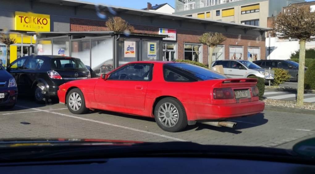 Spotted auf dem Edeka Parkplatz und auch etwas mit der Frau des Besitzers gesprochen. Sie haben sogar 2 MK3 👍