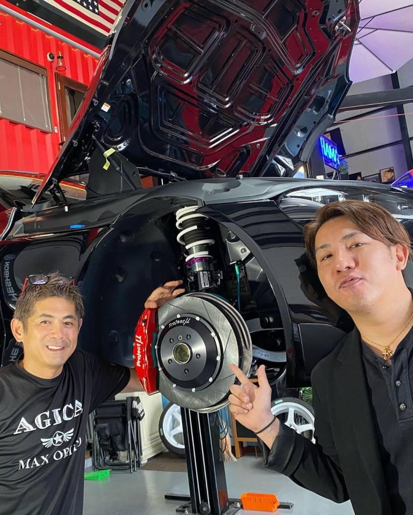 Photo of MaxOrido プロジェクトμの ローター 純正よりの 軽量化 およそ4kg キャリパー 1kg トータル片側5kg 両側では、なんと10kg これだけでも フロントの旋回性能が変わります。 フロントローター キャリパーで、 10kgの軽量化って 凄いと思わない? #projectmu #advanracingwheels #hks